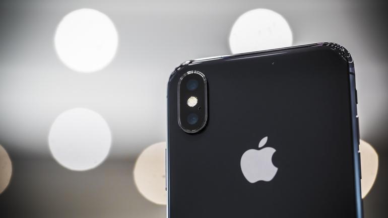 apple-091217-iphone-x-3982.jpg