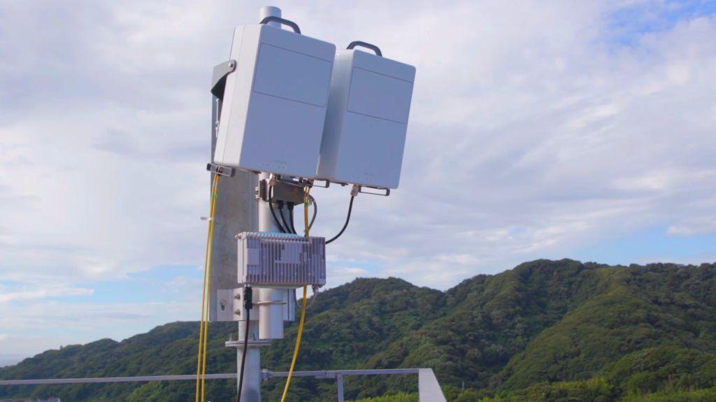 180430-07-ericsson-ntt-docomo-5g-transmitter.jpg