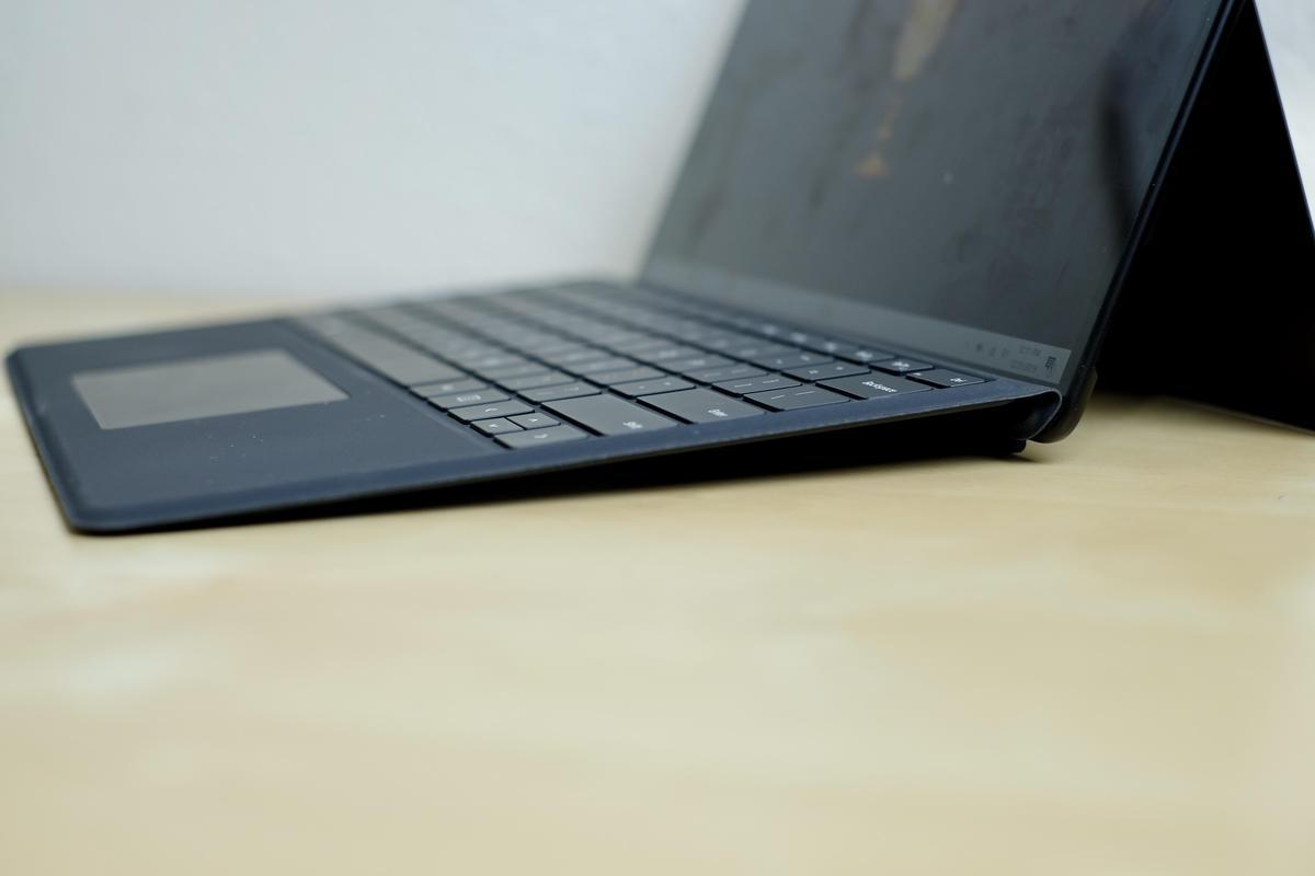 surface-pro-x-angeled-keyboard.jpg