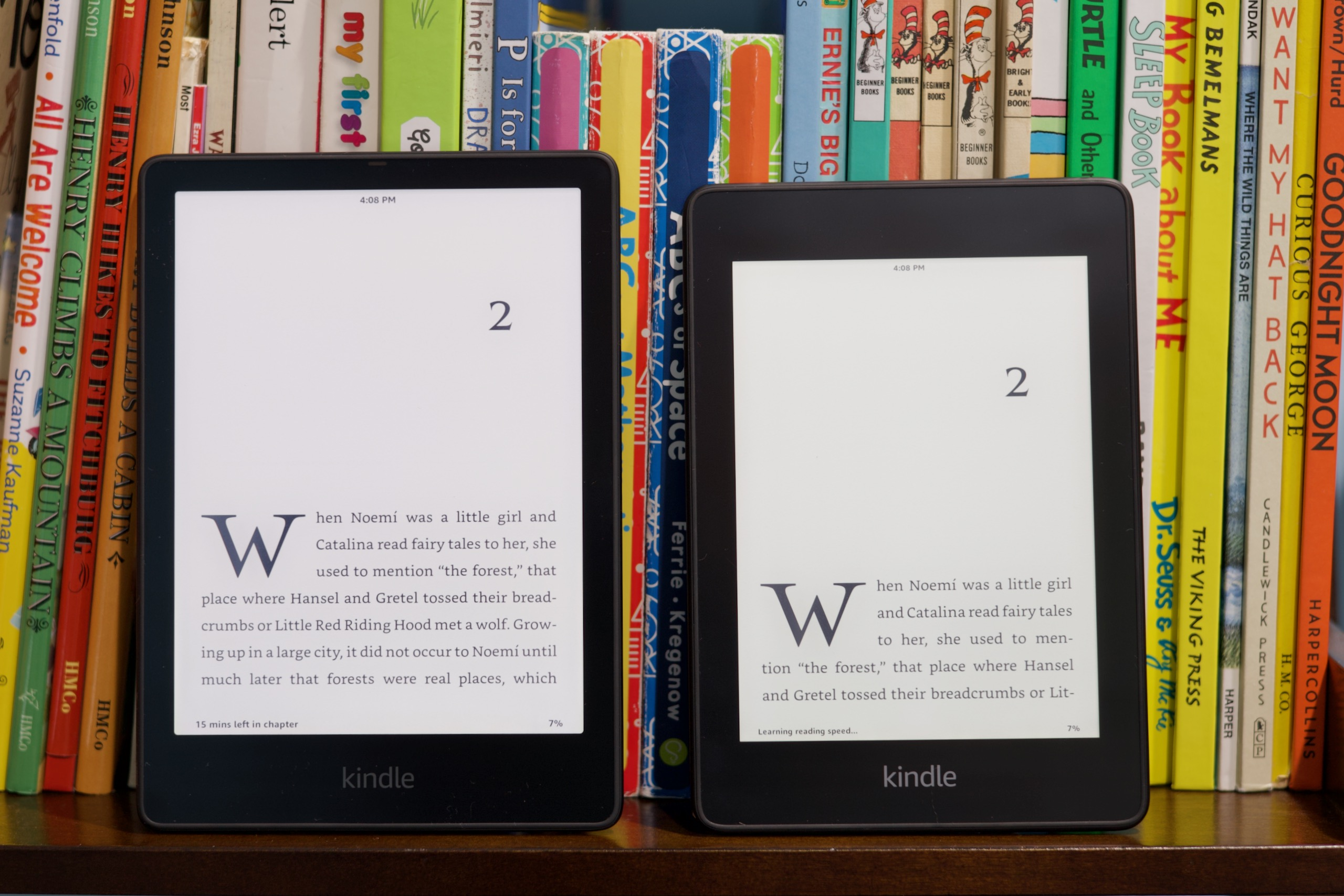 The new Paperwhite (left) has a 6.8-inch screen, which looks and feels much larger than the old model's 6-inch display (right).